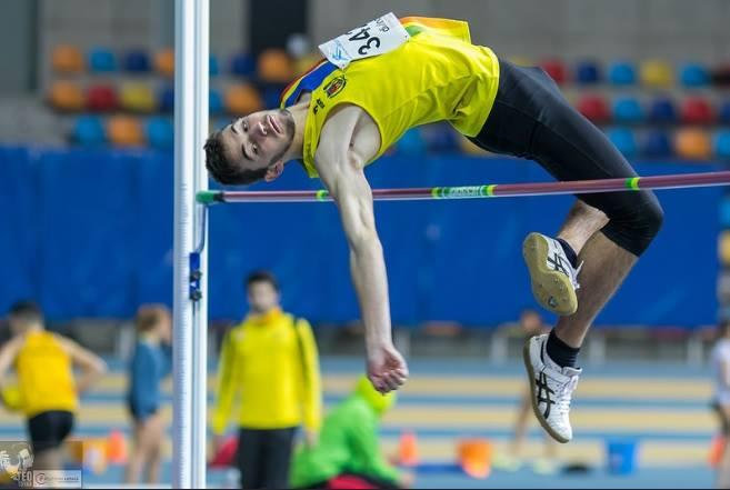 Xesc Tresens, campió de Catalunya júnior en salt d'alçada