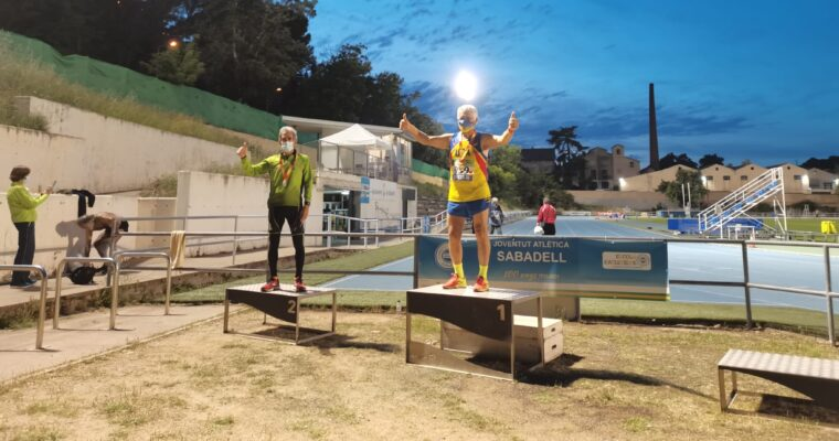 Medalles de fons i llançaments dels nostres atletes Màster